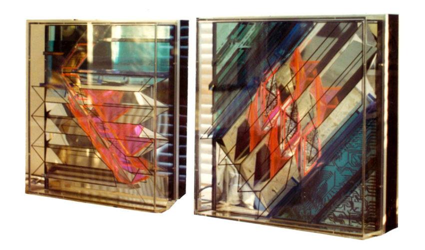 1976 Amsterdam Effectenbeurs twee reliëfs met spiegels en licht