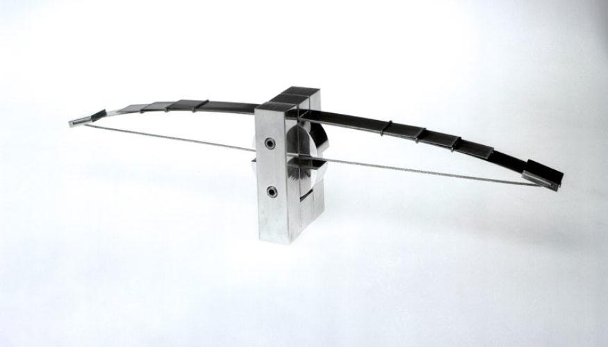 1981 Boogbalans kleinplastiek staal
