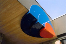 1982  Amsterdam Z.O.  Montessori basisschool lichtobjecten boven drie ingangen