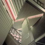 1983  Amsterdam  Sportcentrum De Pijp kleurlichtlijnen in de hal en de trappenhuizen
