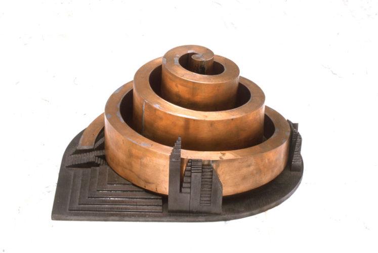 1986 Observatorium 1 kleinplastiek koper en hout