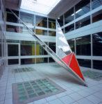 1987  Haarlem Huis van Bewaring (RGD) sculptuur Flying Home  in de vide