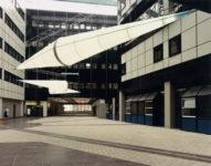 1988  Groningen   Academisch Ziekenhuis (UMCG) Zeppelins lichtsculpturen in de patio