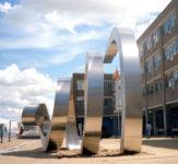 1988  Zoetermeer   Stadhuisplein  Interaction roestvrijstaal sculptuur
