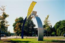 1991  Driebergen Tension  gekleurd staalsculptuur