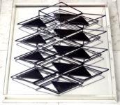 1977 Spiegelreliëf met metaalconstructie 2